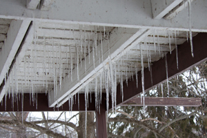 Icicles-FARM-20130304-2654